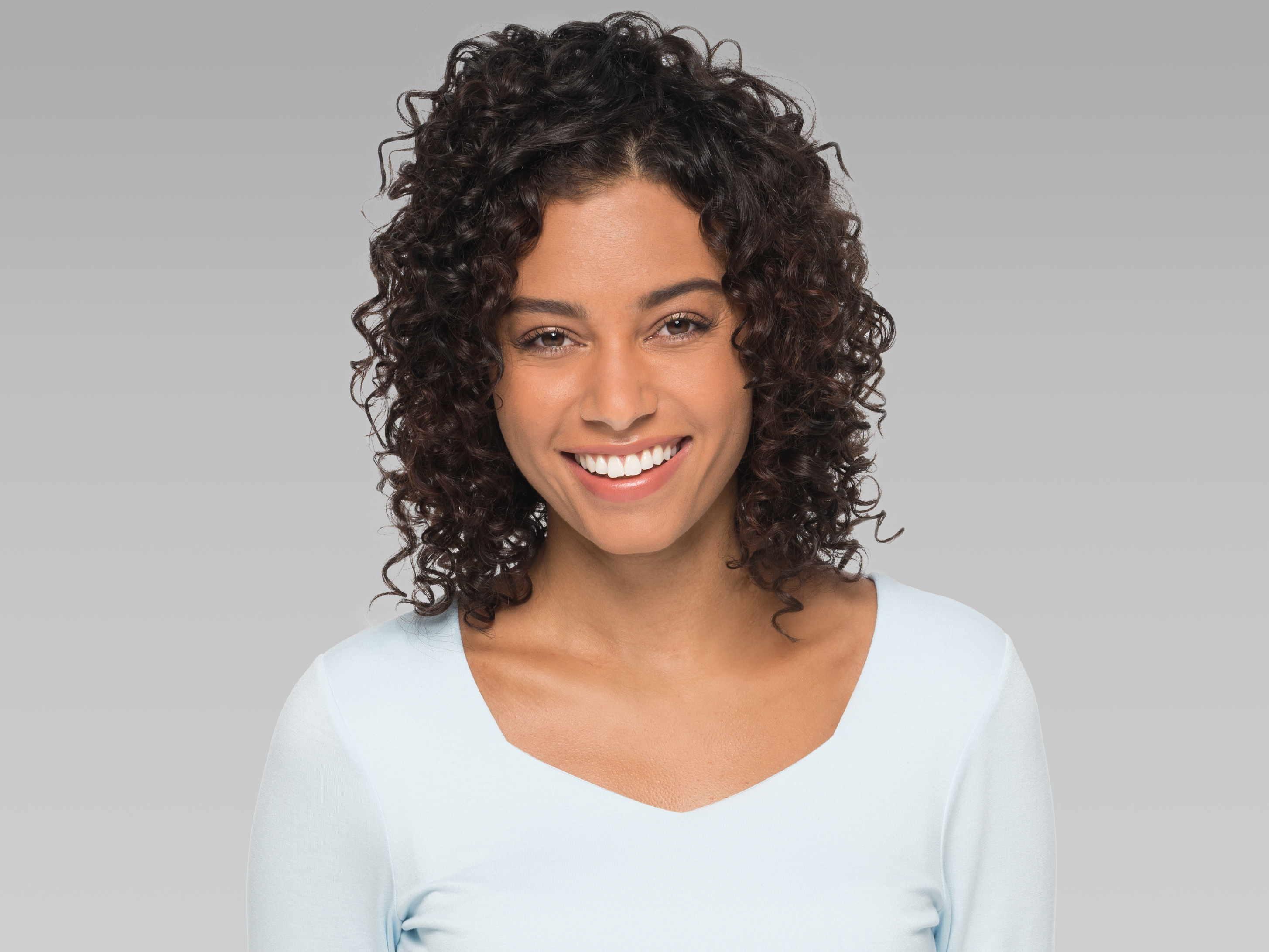 style hair curly layers with curls s hairstyles supercuts 5132 | supercuts blaine hero hairstyles long layers with curls front 4x3